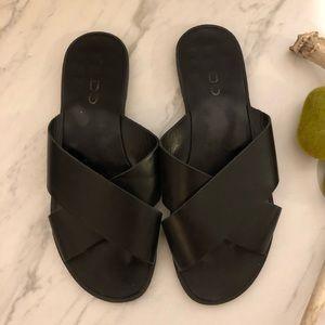 EUC-ALDO Black Minimalist Flat Sandals-Size 7
